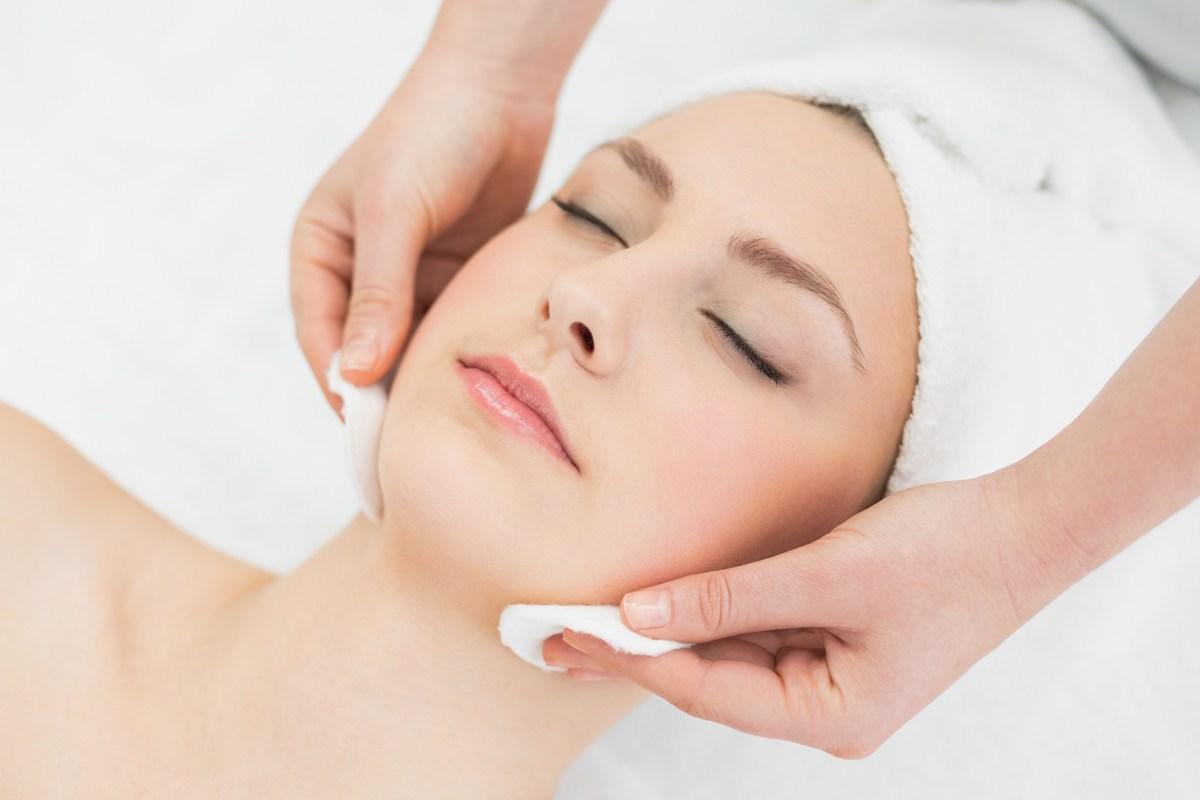 Purifying   healing facial